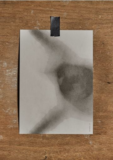 Miljøvenligt kort trykt på smukt papir med struktur og stoflighed. Kortet er danskproduceret.Velegnet til både ophæng, eller som et smuk håndskrevet kort til en gave, eller en kær hilsen.A5 størrelse (148x210 mm)Indretning, dekoration og udsmyknin