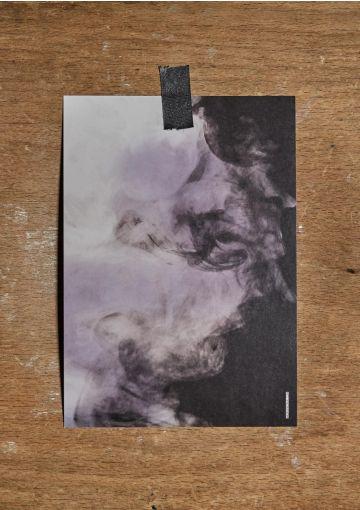 Miljøvenligt kort trykt på smukt papir med struktur og stoflighed.  Postkortet er danskproduceret.