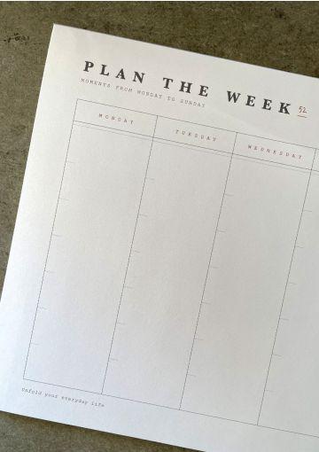 Planlæg din uge med denne smukke weekplanner i en sart grå farve